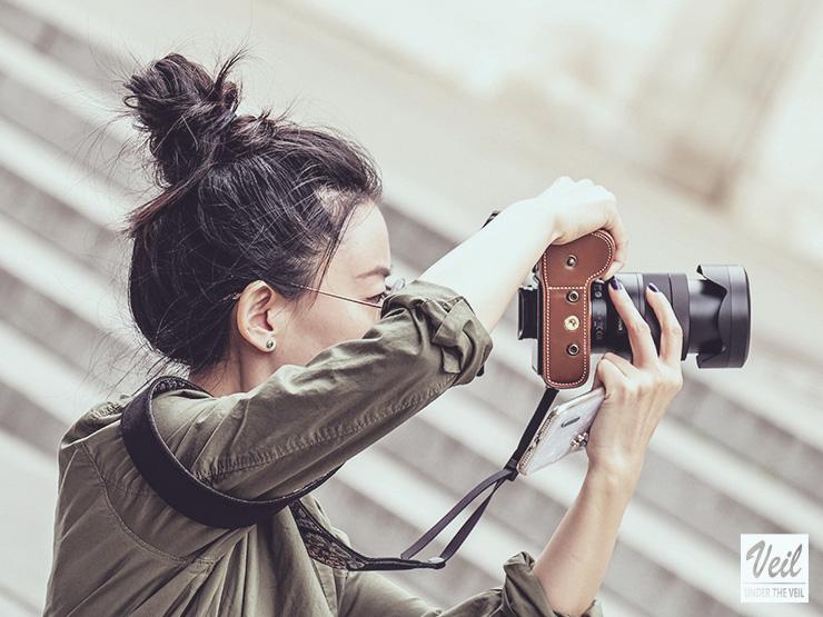 写真を撮影する人